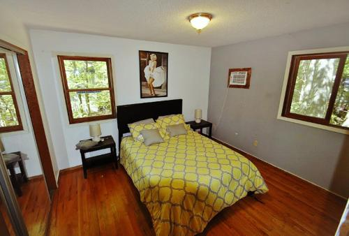 Woodland Retreat Home - East Stroudsburg, PA 18302