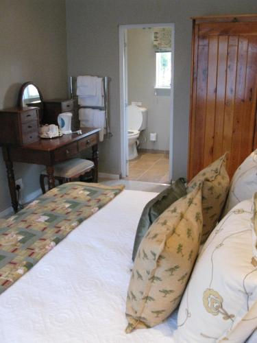 Sneezewood Farm Bed&Breakfast and Self-Catering Cottage Photo