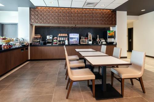 Wingate By Wyndham Altoona - Altoona, PA 16601