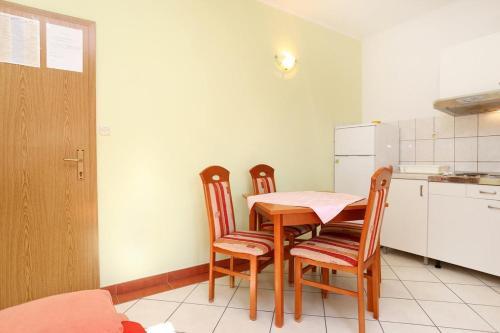 Apartment Pisak 10323b