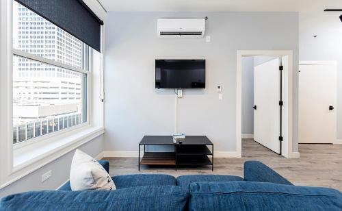 Seagreen Apartment - Chicago, IL 60605