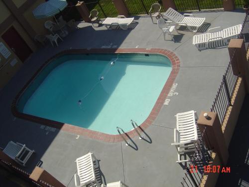 Days Inn & Suites Springfield on Interstate 44 Photo