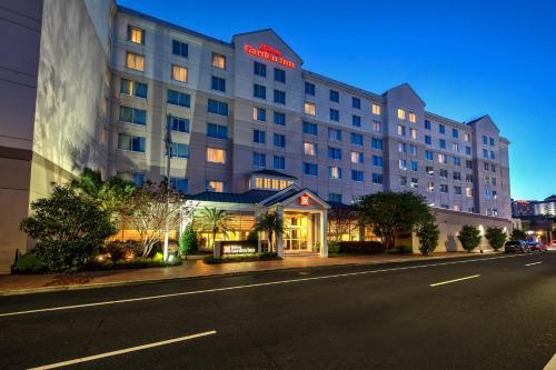 Hilton Garden Inn New Orleans Convention Center Photo
