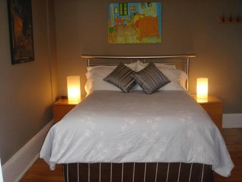 Avalon Bed And Breakfast - Ottawa, ON K1N 6C6