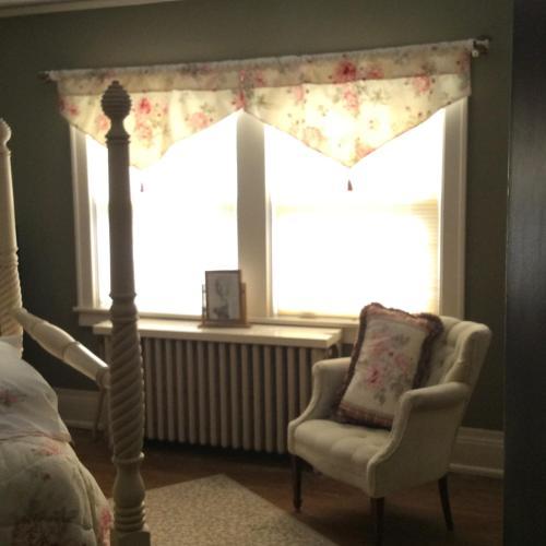 Hallett House Bed And Breakfast - Deerwood, MN 56444