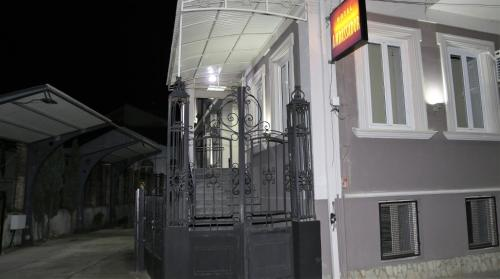 https://q-xx.bstatic.com/images/hotel/max500/121/121224404.jpg