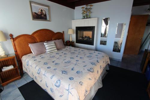 Edgewater Beach Inn & Suites Photo