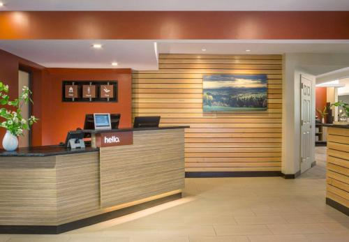 Towneplace Suites By Marriott Burlington Williston Hotel