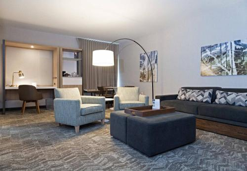 Springhill Suites By Marriott Somerset Franklin Township - Somerset, NJ 08873
