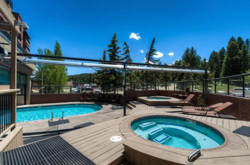 Three Bedroom Ski-in/ski-out Penthouse - Breckenridge, CO 80424