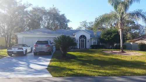 Modern Pool Home - Spring Hill, FL 34609