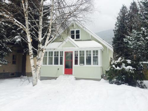 Snowcaps - Revelstoke, BC V0E 2S0