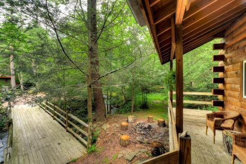 Magnolia Streamside Resort - Canadensis, PA 18325