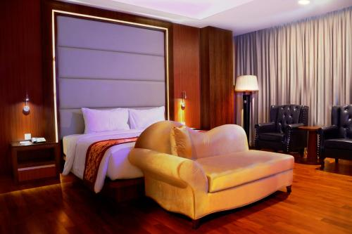 Nagoya Hill Hotel Batam photo 42