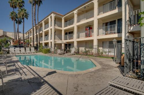 Vagabond Inn Glendale - Glendale, CA 91204