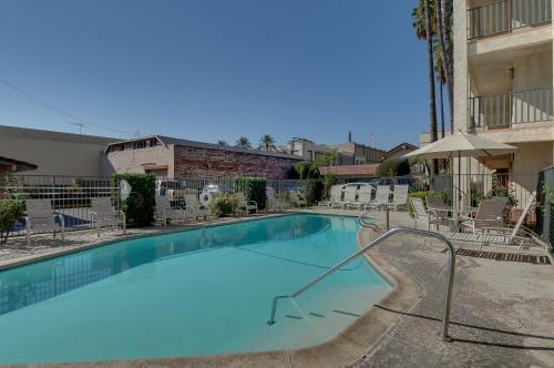 Vagabond Inn Glendale Photo