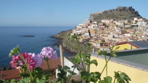 Una Terrazza Sul Mare, Castelsardo, Sardinia   RentByOwner.com ...