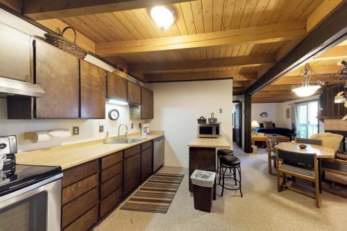Treehouse 108 - Silverthorne, CO 80498