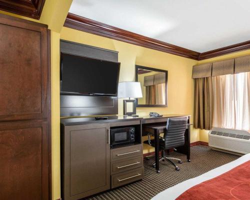Comfort Suites Lake Jackson Photo