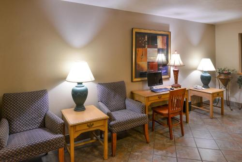 Guesthouse Inn & Suites Sioux Falls - Sioux Falls, SD 57107