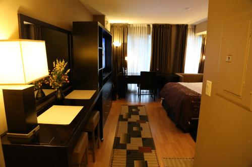 Condo Accommodation - Toronto, ON M5B 1T8