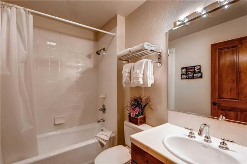 Convenient 2 Bedroom - Main Stn 2203 - Breckenridge, CO 80424
