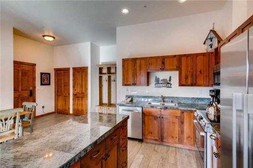 Economically Priced 3 Bedroom - Main Stn 1501 - Breckenridge, CO 80424