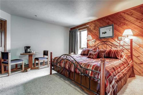 Adorable 1 Bedroom - Cimarron 229 - Breckenridge, CO 80424