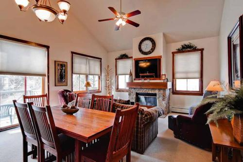 Beautifully Appointed 3 Bedroom - Junction 21 - Breckenridge, CO 80424