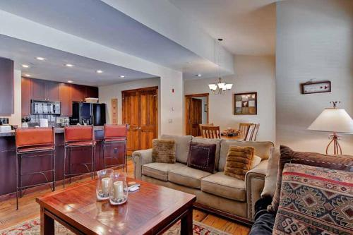 Inviting 1 Bedroom - Junction 32 - Breckenridge, CO 80424