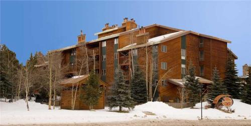 Wonderful 2 Bedroom - Cimarron 208 - Breckenridge, CO 80424