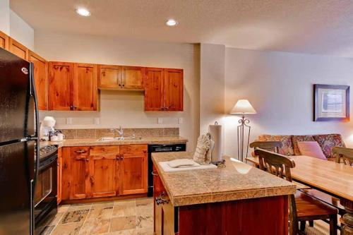 Conveniently Located 1 Bedroom - Main Stn 1202 - Breckenridge, CO 80424