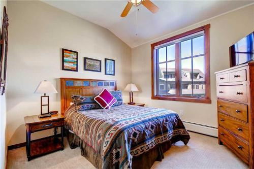 Economic 4 Bedroom - Main Stn 3401 - Breckenridge, CO 80424