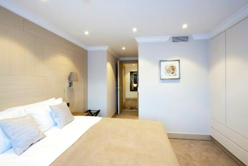 Claverley Court Apartment Knightsbridge photo 12