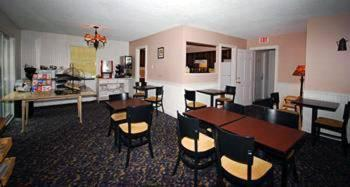 Newbury Inn - Brookfield, CT 06804