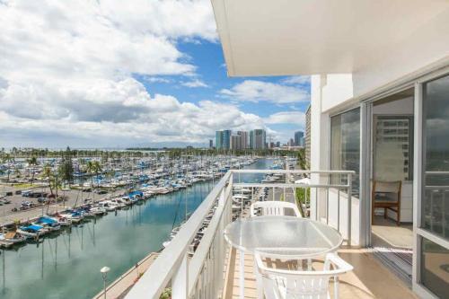 Ilikai Tower 643 Yacht Harbor View 2br - Honolulu, HI 96815