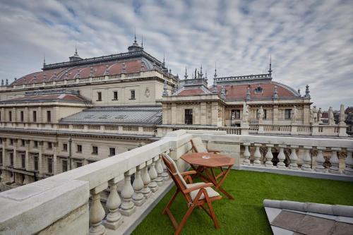 Budapest, Andrássy út 20, 1061 Hungary.