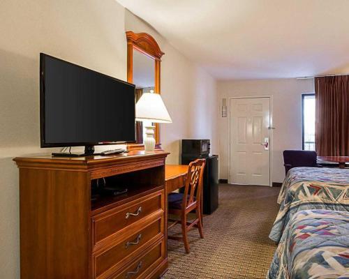Econo Lodge Richmond Photo