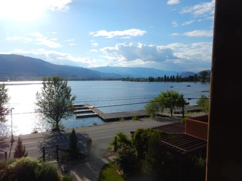 Village On The Lake - Osoyoos, BC V0H 1V6