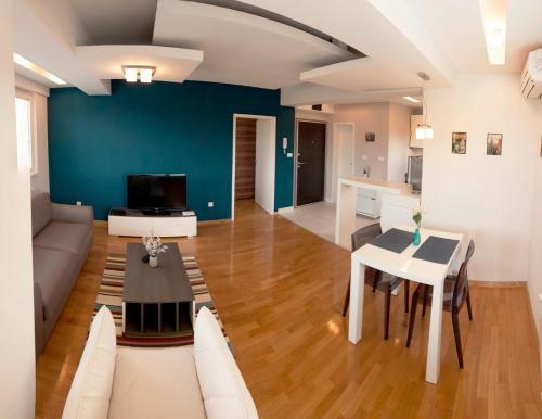 Casa City Apartments