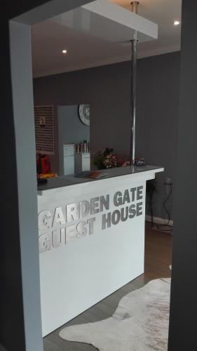 Garden Gate Guest House Photo