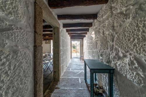 Rua de Cedofeita 159, 4050-175, Porto, Portugal.