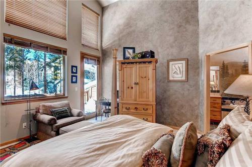 Appealing 3 Bedroom - Gold King 69 - Breckenridge, CO 80424