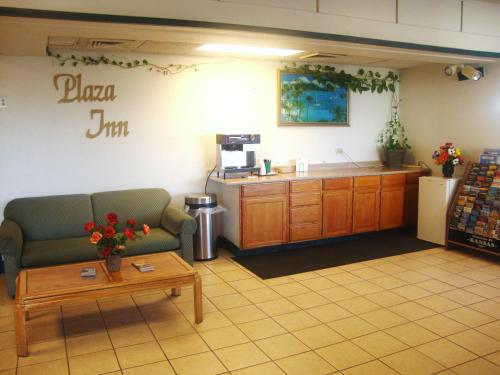 Plaza Inn - Topeka, KS 66609