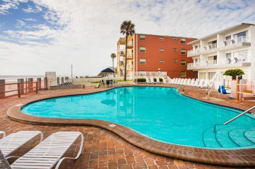 Days Inn And Suites Mainsail Oceanfront Photo