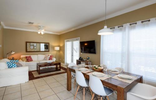 Four Bedroom Holiday Home At Lucaya 62 - Kissimmee, FL 34746