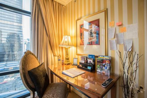 Residency Boutique Suites - Vancouver - Vancouver, BC V6C 2E8