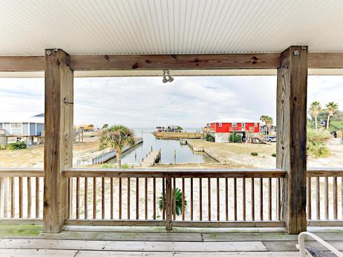3br On Mobile Bay 1 Block To Beach Home - Gulf Shores, AL 36542