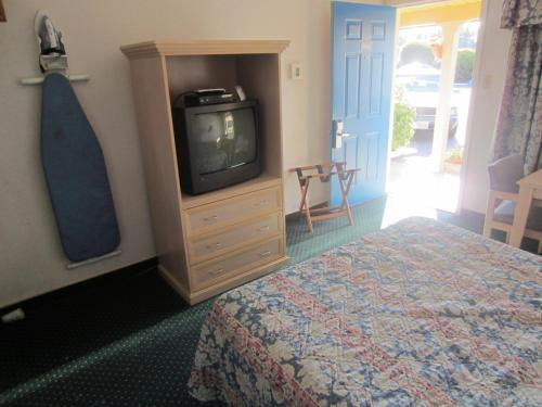 Rodeway Inn Monterey Photo