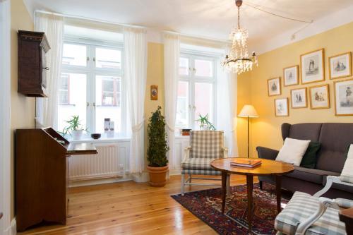 Lady Hamilton Apartments photo 62